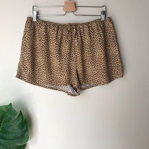Victoria's Secret   Cheetah Print Sleep Shorts L